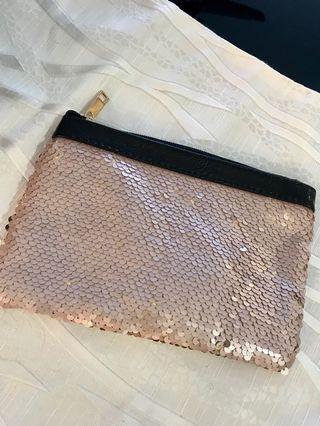 Pouch/ makeup pouch