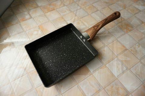 麥飯石煎鍋