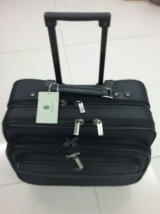Montant Business Black Travel Bag!