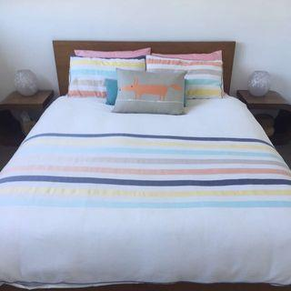 Queen size doona cover and cushion