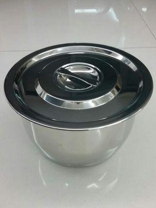 Crab Stainless Steel Pot with Cover!