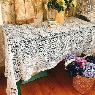 De Vor Handmade Crochet Table Cloth