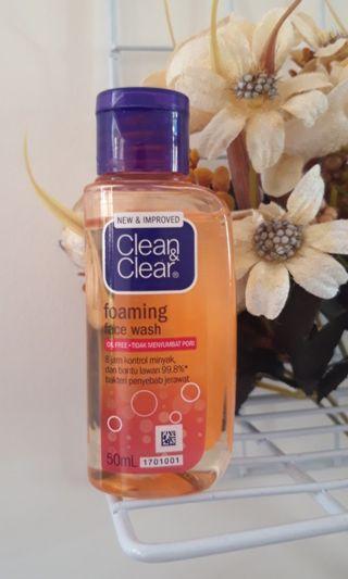 Clean & Clear foaming wash