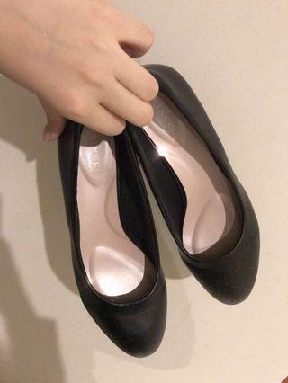 Vincci/ Padini shoes