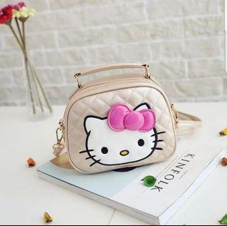 🚚 Hello Kitty Sling Bag - Golden