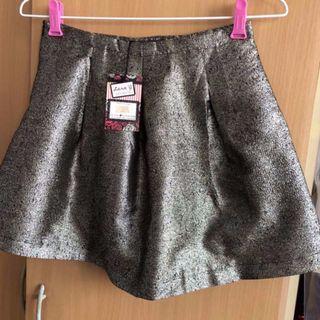 (BNWT) Lara J Shimmer Gold Skirt - Size M