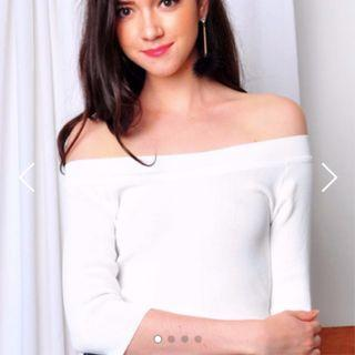 (BN) PURPUR Off-Shoulder White Top - Free Size