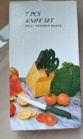 7 Piece Knife Set (include wooden block)