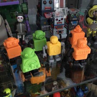 Eraser robots brand new, interchangeable limps and head. Retro vintage looking bot toy