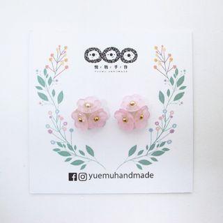 🚚 粉紅盛開 (花 花朵 樹脂 貼耳 耳環 耳針 耳夾 矽膠 不鏽鋼 氣質 精選)