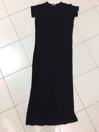 🚚 Black slit dress