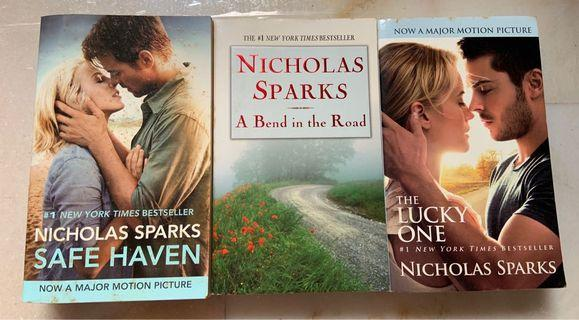 🚚 3 for $10 - Nicholas Sparks story books