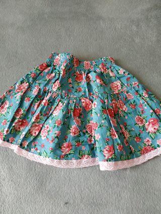 Rok Bunga flower skirt