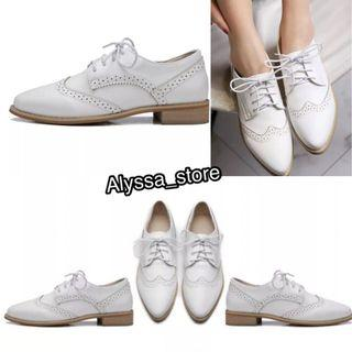 white oxford england style shoes 白色斯文英倫風牛津紳士鞋