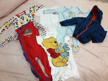 🚚 Baby bundle clothes 6 to 12 mths
