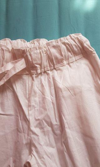 Celana putih polos
