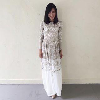 🚚 Zalia white and gold dress