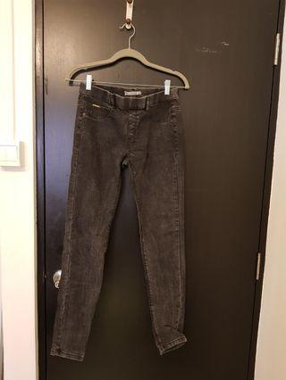 $5 Pull & Bear denim jeggings