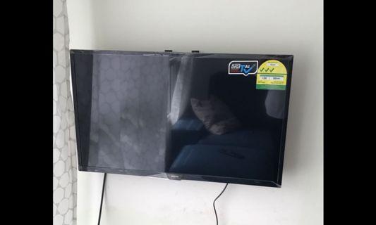 🚚 Philips 32 inch HD TV