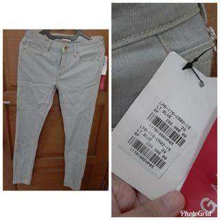 Jeans standar