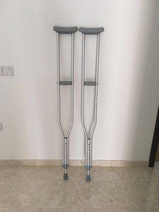 PL Adjustable Axillary Crutches