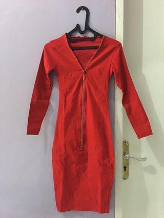 Red Mididress