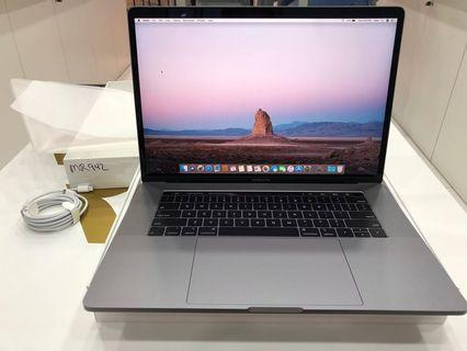 Macbook Pro 15-inch 2018 Model Box Open Only