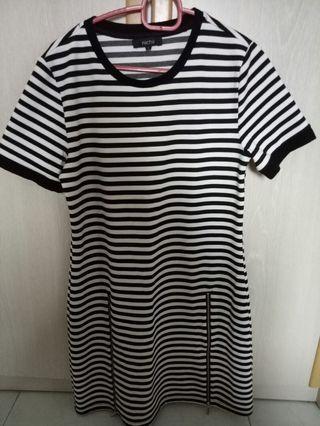 Black white straps dress