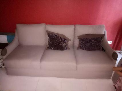 🚚 Sofa with washable covers