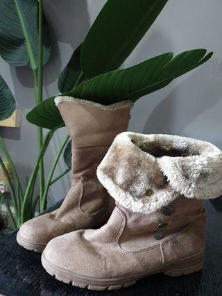 Winter Boots by Paperplanes New York