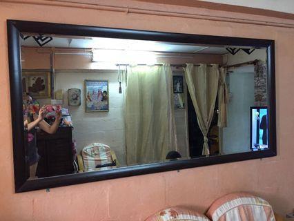 Big Mirror / Cermin besar