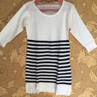 Midi dress putih hitam garis