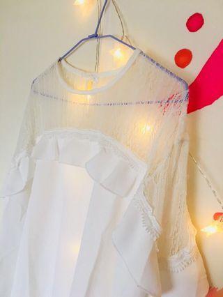 荷葉袖蕾絲領白色上衣