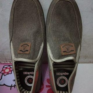 Sepatu merk EKYDO no deffect