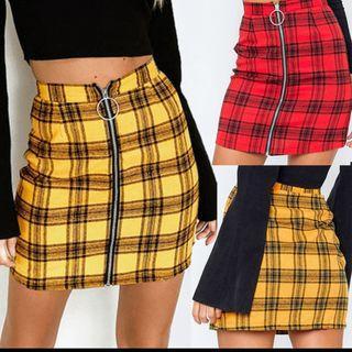 (PO) plaid skirt