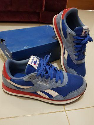 Sepatu Reebok Royal Flag Classic Blue Sneaker