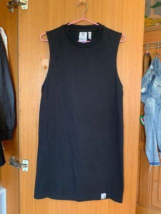 adidas黑色背心洋裝