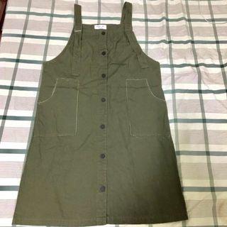🚚 軍綠色排扣吊帶裙