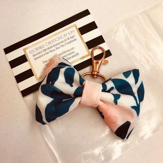 🚚 BN jujube whimsical watercolor bow fob