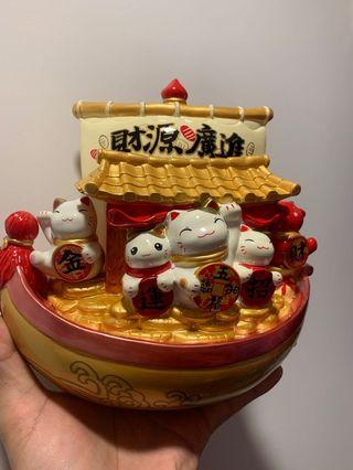 Fortune Cats - all happily on the wealth boat