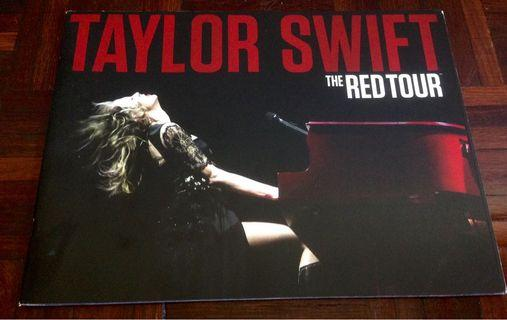 Taylor Swift : Red Tour Book