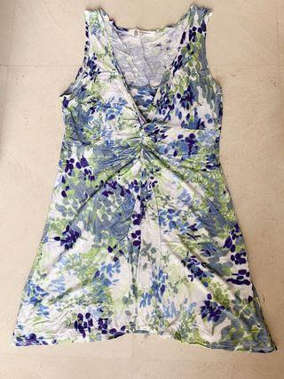 🚚 Blue Floral sleeveless top with attached inner wear
