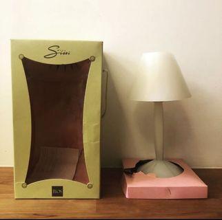 菲利普史塔克 PHILIPPE STARCK 工業設計 Miss Sissi 1991 經典作品 flos 燈具