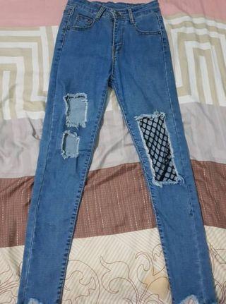 🚚 Highwaisted Denim Ripped Jeans