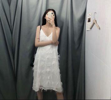 Holiday style white feather decoration laminated elegant slim strap dress