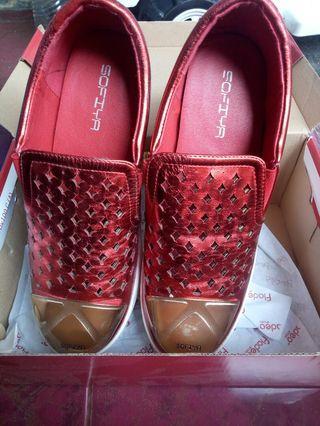 Sepatu blink blink merah