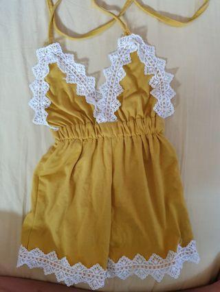 🚚 Yellow romper onesie 6 - 9 months
