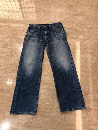 Levis '刷色牛仔褲