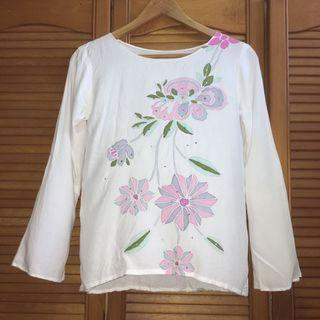 Floral Batik Top in White and Pink color