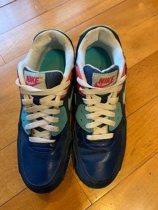 Nike女生運動鞋